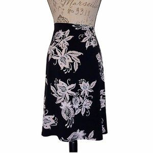 Chico's Womens Size 3  Size 16/18 XL Skirt  Floral